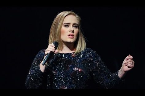 Adele pays tribute to victims of London terror attack (Video)