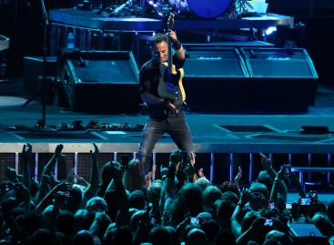 New York AG investigating 'speculative' Bruce Springsteen tickets