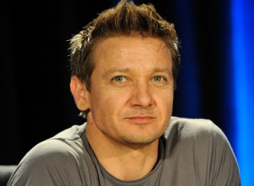 Jeremy Renner to play legendary boxer Rocky Marciano