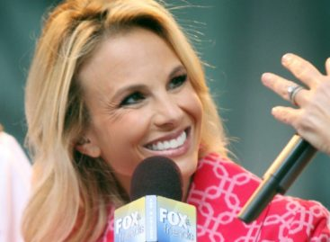 Elisabeth Hasselbeck gets emotional while announcing departure from 'Fox & Friends'