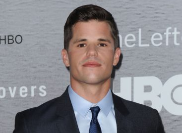 'Teen Wolf' star posts articulate five-part message about coming out as gay