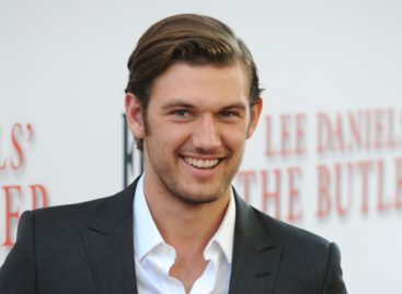 Alex Pettyfer and Marloes Horst announce breakup via Instagram