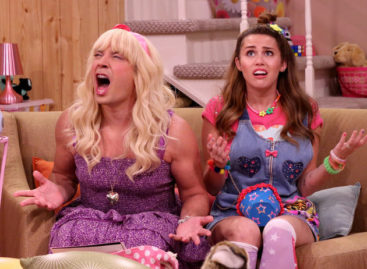 Miley Cyrus looks like her old self on Jimmy Fallon's 'Ew!'