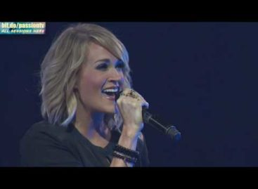 Carrie Underwood crashes Christian conference (Video)