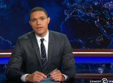 Trevor Noah reacts to Oregon shooting on 'Daily Show'